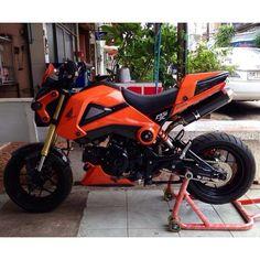 Honda Grom Motos Honda, Honda Bikes, Honda Motorcycles, Small Motorcycles, Grom Bike, Honda Grom 125, Ktm 200 Exc, Honda Powersports, Old School Motorcycles