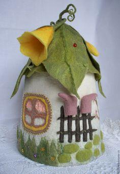 Wet Felting Projects, Felting Tutorials, Rock Crafts, Felt Crafts, Moldes Halloween, Teapot Cover, Clay Fairy House, Crochet Santa, Felt House