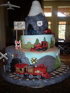 Train cake by karengirl71, via Flickr