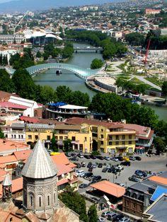 Panoramica di Tblisi, #Georgia. Per maggiori informazioni visitate Kel12.com