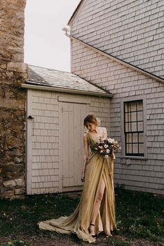 """If you love all things vintage, then you're going to want to run, not walk to check out this """"Old-World-Meets-New"""" inspired styled shoot! Bridal Portrait Poses, Modern Vintage Weddings, Renaissance Wedding, Most Beautiful Images, Makeup Salon, Bridal Pictures, Groom Attire, Bridal Looks, Wedding Day"""