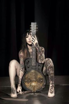 Gogo blackwater and bluebird guitar