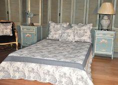 Double Bed Quilt in grey Toile de Jouy