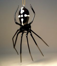 Hanging Black Glass Spider Ornament Black Spider, Glass Figurines, Xmas Ornaments, Black Glass, Insects, Decoration, Three Dimensional, Glass Art, Sculpture