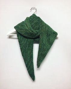 Triangular Shawl by @yarntable | malabrigo
