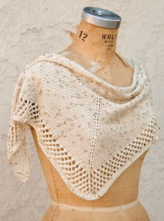 Free knitting pattern for Stargazing Shawlette - easy shawl in stockinette with a mesh border