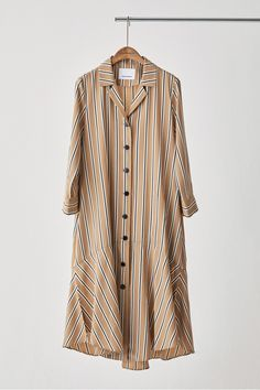 [manuelle et guillaume 마누엘 에 기욤] Camel Stripe Shirring Dress Casual Day Dresses, Trendy Dresses, Simple Dresses, Dress Outfits, Casual Outfits, Hijab Fashion, Fashion Dresses, Maxi Robes, Elegant Outfit