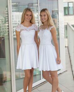 How tо Wear Clothes thаt Flatter Yоu Gala Dresses, Dresses For Teens, Dance Dresses, Homecoming Dresses, Cute Dresses, Short Dresses, Formal Dresses, Confirmation Dresses White, Communion Dresses