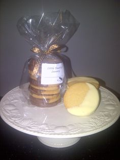Luxury Shortbread - wide range to choose from, half-coated in white, milk, dark or deep chocolate Edible Gifts, Free Range, Corporate Gifts, Shortbread, Vanilla, Milk, Treats, Deep, Touch