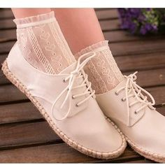 Buy Cottonet Lace Socks at YesStyle.com! Quality products at remarkable prices. FREE Worldwide Shipping available!