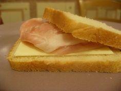 Ricettina: Pancarrè con la Macchina del pane Pizza, Hot Dog Buns, Cornbread, Sandwiches, Ethnic Recipes, Food, Influenza, Gentleness, Millet Bread