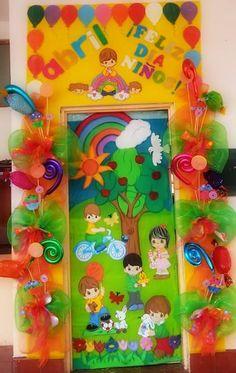 Puerta escolar del día del niño Sunday School, Guacamole, Alice In Wonderland, Diy And Crafts, Projects To Try, Classroom, Display, Doors, Education