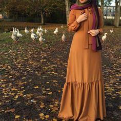 Hijab Fashion Summer, Niqab Fashion, Muslim Fashion, Skirt Fashion, Fashion Dresses, Hijab Style Dress, Modele Hijab, Muslim Beauty, Afghan Dresses