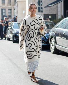 Jiyoung Kim at Salvatore Ferragamo show #ss17 #voguekorea #jiyoungkim #mfw #womenswear #milanfashionweek #fashionweek #style #streetfashion #fashionshow #stylish #streetstyle #streetphotography #streetsnap #milanomoda #milanomodadonna #fashion #fashiongram #fashiongirl #moda #mode #instafashion #nofilter