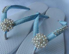 490533a371f34 White Wedding Flip Flops   Bridal Pearls Sandals   White Color Bridesmaid  Shoes   Rhinestone   Pearls Flip Flops