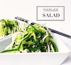 Salát s bílou ředkví a okurkou