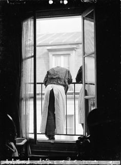 by Margaret Watkins, Paris, 1933 Burns Photography, Street Photography, Art Photography, Looking Out The Window, Through The Looking Glass, Black And White Portraits, Black And White Pictures, Vintage Photographs, Vintage Photos