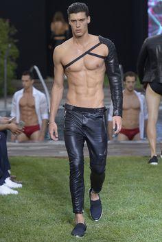 Guerreros del glamour! Dirk Bikkembergs Men's RTW Spring 2016. | FASHIONFRENICOS