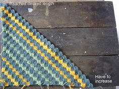 How to crochet diagonally. Great tutorial by the Lazy Hobbyhopper.