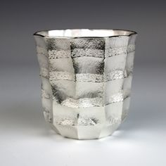 Hiroshi Suzuki: Seni Dom Beaker