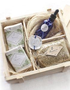 Una cesta con sus productos ayudará a su cuidado personal, son cosas que él no compraría, pero que seguro apreciará.