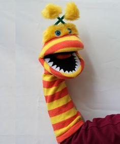 Dedos - latiendita v - Dedos - latiendita venta de titeres marionetas guantes manoplas y muñecos de goma espuma --- #Theaterkompass #Theater #Theatre #Puppen #Marionette #Handpuppen #Stockpuppen #Puppenspieler #Puppenspiel Puppet Crafts, Sock Crafts, Sock Puppets, Hand Puppets, Puppet Tutorial, Rainy Day Fun, Puppet Patterns, Sock Toys, Puppet Show