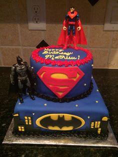 Superman vs Batman cake