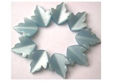 Flower lily lucite beads 18mm vintage