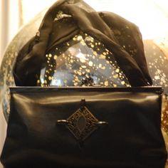 Je viens de mettre en vente cet article  : Sac pochette en cuir Marque Inconnue 28,00 € http://www.videdressing.com/sacs-pochette-en-cuir/marque-inconnue/p-5911506.html?utm_source=pinterest&utm_medium=pinterest_share&utm_campaign=FR_Femme_Sacs_Sacs+en+cuir_5911506_pinterest_share