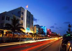 Miami beach at night! Miami Art Deco, Places Around The World, Oh The Places You'll Go, Around The Worlds, South Beach Miami, Summer Anthems, Miami Photos, Beach At Night, Exotic Beaches