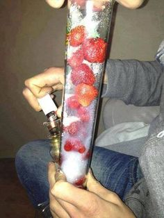hippy's bong Frozen strawberries best way to cold stack the bong.