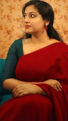 Please contact no Beautiful Girl Indian, Beautiful Saree, Gorgeous Women, Beautiful Outfits, Indian Natural Beauty, Indian Beauty Saree, Indian Navel, Girl Number For Friendship, Tamil Girls