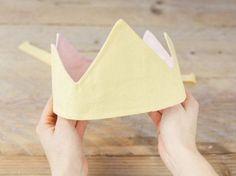 DIY tutorial: Sew a Fabric Crown via DaWanda.com