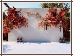 Wedding Stage Backdrop, Wedding Backdrop Design, Floral Wedding Decorations, Backdrop Decorations, Flower Backdrop, Garden Party Wedding, Wedding Fair, Indoor Wedding, Wedding Photo Walls