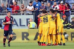 #Caceres / Bruno Zuccolini of Verona celebrates his goal 0-1 with team mates during the Serie A match between Cagliari Calcio and Hellas Verona FC at Stadio Sant'Elia on November 5, 2017 in Cagliari, Italy.
