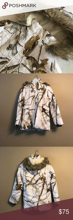 Northcrest White Fur Hood Womens Small Winter Coat Northcrest Outdoor White and Camouflage Fur Hooded Womens Small Winter Coat. Hood zips completely off. Perfect condition! Never worn! Northwest Outdoor Jackets & Coats Puffers