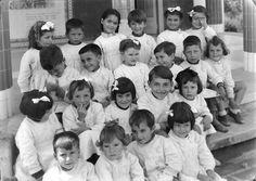 Fotografia sem data. Produzida durante a atividade do Estúdio Mário Novais: 1933-1983. As Juntas de Província foram criadas pela Lei nº 1945 de 21/12/1936 e substituídas pelas Juntas Distritais pelo Decreto-lei n.º 42536, de 28 de Setembro de 1959. Estas instituições, com longa tradição no ordenamento jurídico português, tiveram competências alargadas, embora variáveis ao longo do tempo, nos domínios do ensino, assistência social e obras públicas.   CFT003 068492.ic
