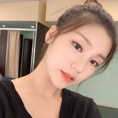 "4,747 lượt thích, 22 bình luận - ITZY YEJI 황예지 (@jyp.yeji) trên Instagram: ""— 191026   instagram update ♡ #ITZY #있지 #YEJI #황예지 #예지"" South Korean Girls, Korean Girl Groups, Mma 2019, K Idol, Soyeon, Aesthetic Photo, Aesthetic Filter, Ulzzang Girl, New Girl"
