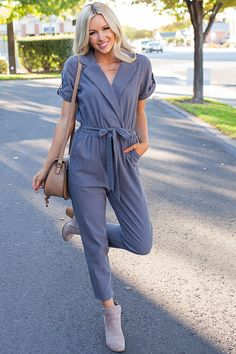 a618f900f42 Inexpensive   Trendy Women s Clothing Boutique. Simple Fall Outfits · My  Sisters Closet ...