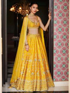 Every bride wants to have Anita Dongre lehenga for their D-Day. From modern pastels lehengas to bright one, Anita Dongre amazed everyone by her collection. Indian Lehenga, Lehenga Choli, Indian Bridal Outfits, Indian Designer Outfits, Bridal Dresses, Designer Bridal Lehenga, Anita Dongre, Lehenga Designs, Dress Indian Style
