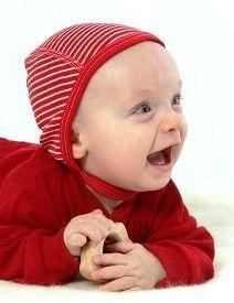 Bio-Babywelt hat alle Farben da, auch in rot. Cosilana führt mittlerweile 7 Ringelfarben, 6 Uni-Farben und natur im Wolle/Seidebereich.