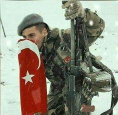Şanlı Türk askeri ve Şanlı Türk bayrağı