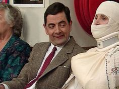 Watch Mr Bean at the Hospital, very very funny clip. Doing nasty things in the hospital, tries to jump the queue and fight with a lady. Check out this funny Mr Bean Video and enjoy. Mr Bean, Mother Pictures, Photo Fails, British Comedy, Funny Couples, Funny Cartoons, Funny Humor, Funny Love, Funny Clips