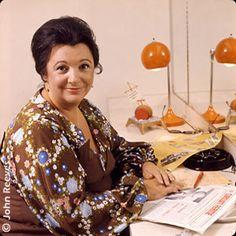 Grande féministe du Québec. Femme de mots et d'actions, elle a marqué le monde des médias et de la politique.