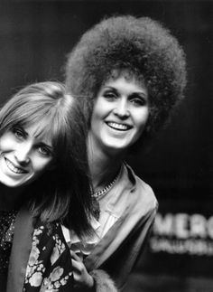 British pop singer Julie Driscoll (right) and her sister Angie, 24 Nov 1967.  Photo by Evening Standard/Getty Images.