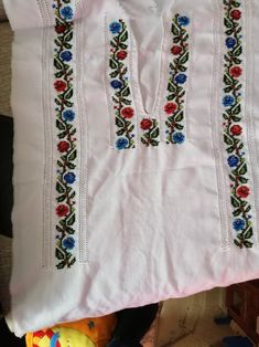 Tunic Tops, Costumes, Clothes For Women, Floral, Outfits, Fashion, Simple Cross Stitch, Embroidered Dresses, Crochet Edgings