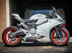 Ducati Motorbike, Ducati Cafe Racer, Suzuki Motorcycle, Racing Motorcycles, White Motorcycle, Motorcycle Equipment, Super Bikes, Cool Bikes, Motorbikes