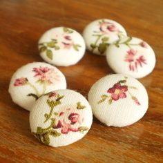 Fabric Buttons  Little Floral  6 Small Pink Roses by PatchworkMill, $3.50
