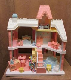 Playskool Victorian vintage dollhouse Lot furniture Fisher Price comp doll 1991 - This was my favorite toy growing up! Pink Dollhouse, Vintage Dollhouse, Victorian Dollhouse, Childhood Memories 90s, Childhood Toys, Best Memories, Playskool Dollhouse, Back In The 90s, 90s Toys