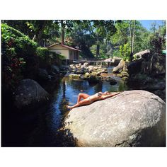 Esse mundo é encantado  #mermaid #mermaidlife #teresopolis #BR #Brasil #bomdia #elasporae #regiaoserrana #RELAX #serradosorgaos #sereiando #nobreak #napaz #ALOHA #aventura #abençoada #adrenalina #tonoadorofarm #tonemai #tiraonda #travel #trip #maraja #vidademaraja #vidaleve #lavandoaalma #cachoeira #likeforlike by vellosonatalie